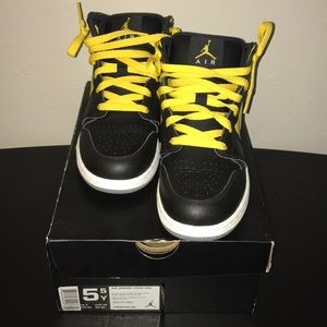 Air Jordan 1 - GS Size 5.5